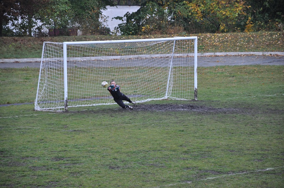 У Городенці вболівальник вдарив суддю під час футбольного матчу 8