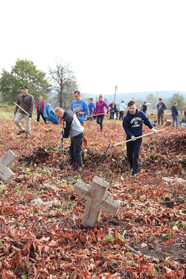 Прикарпатці впорядкували австрійський військовий цвинтар 10
