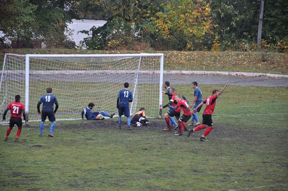 У Городенці вболівальник вдарив суддю під час футбольного матчу 6