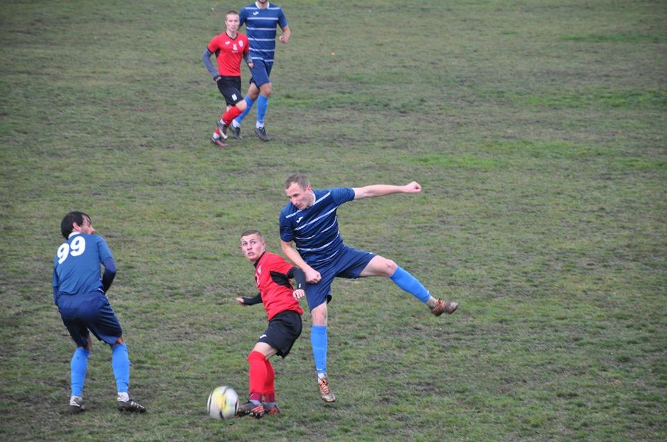 У Городенці вболівальник вдарив суддю під час футбольного матчу 12