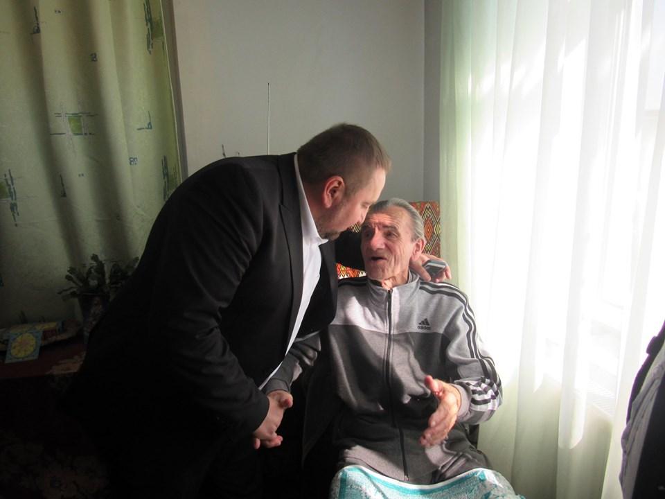 У Надвірній з 90-літнім ювілеєм привітали легендарного вояка УПА 4