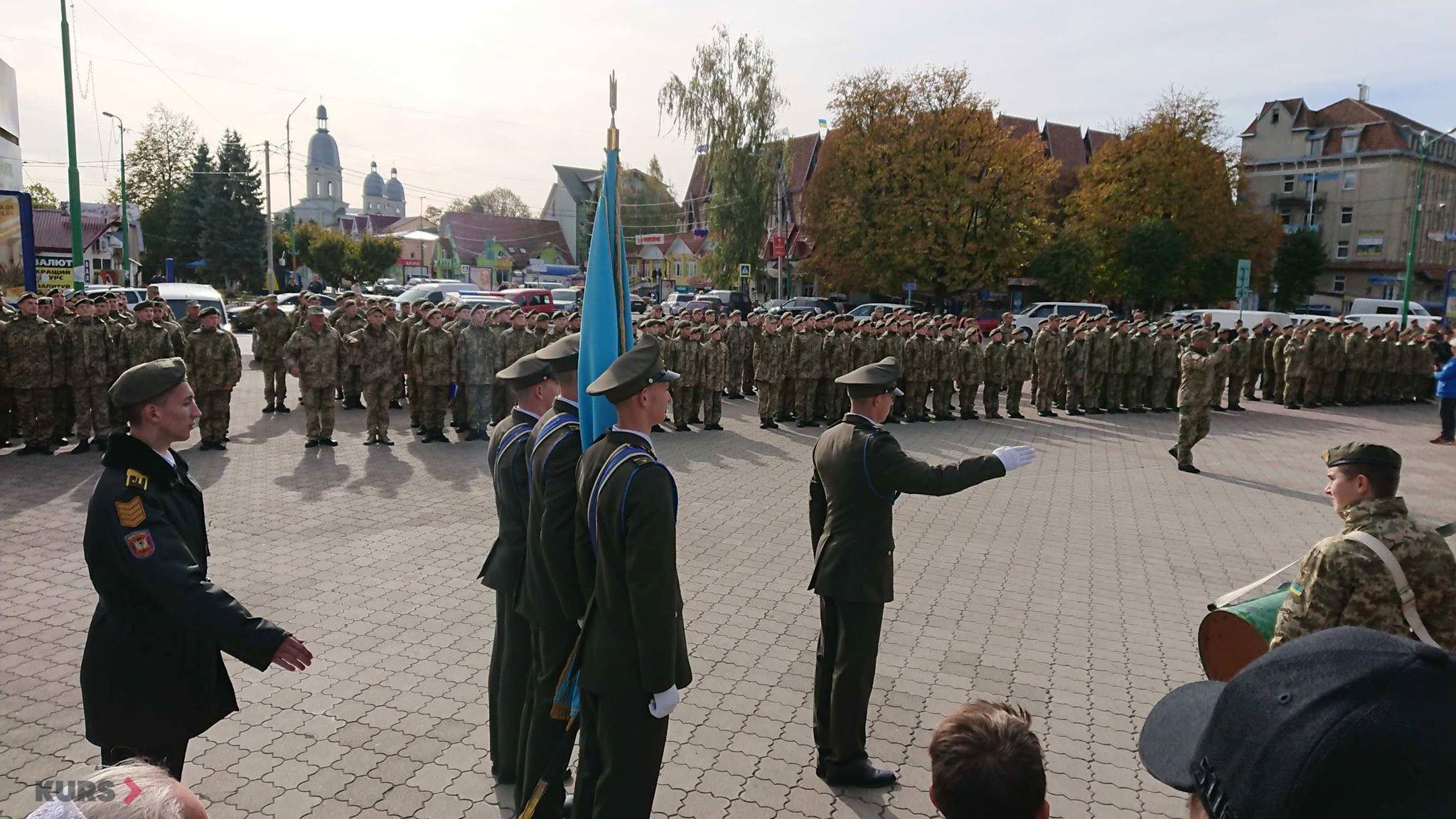 Вірність, честь, відвага: першокурсники Надвірнянського військового ліцею склали присягу 8