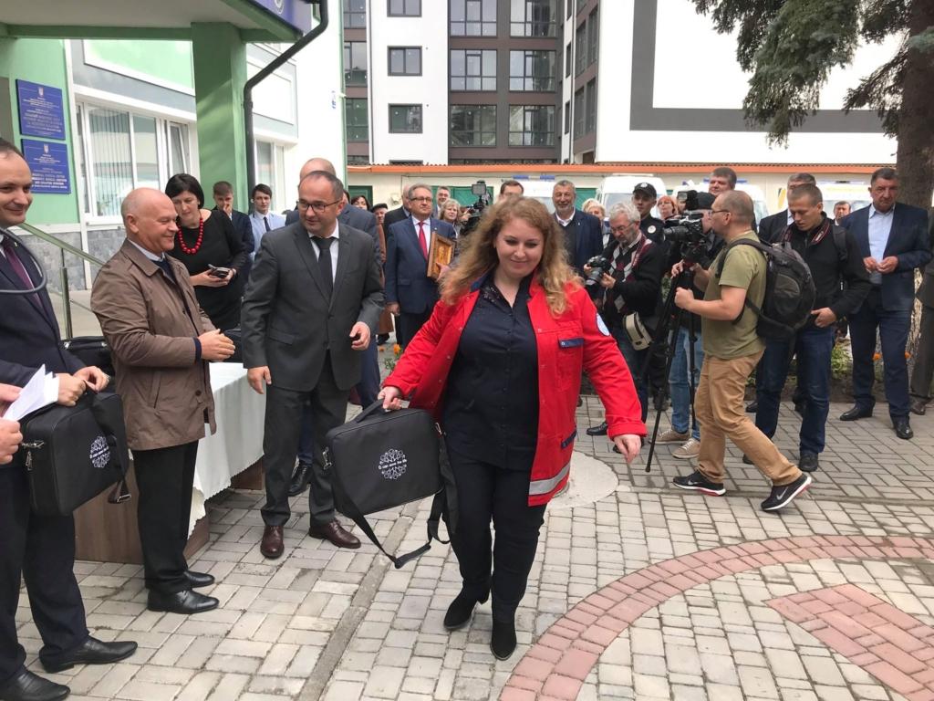 У Франківську відкрили диспетчерську Обласного центру екстреної меддопомоги 16