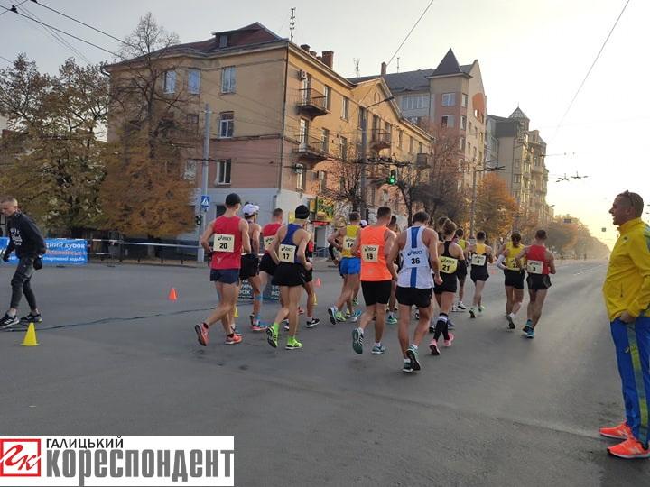 У Франківську розпочався чемпіонат України зі спортивної ходьби 6