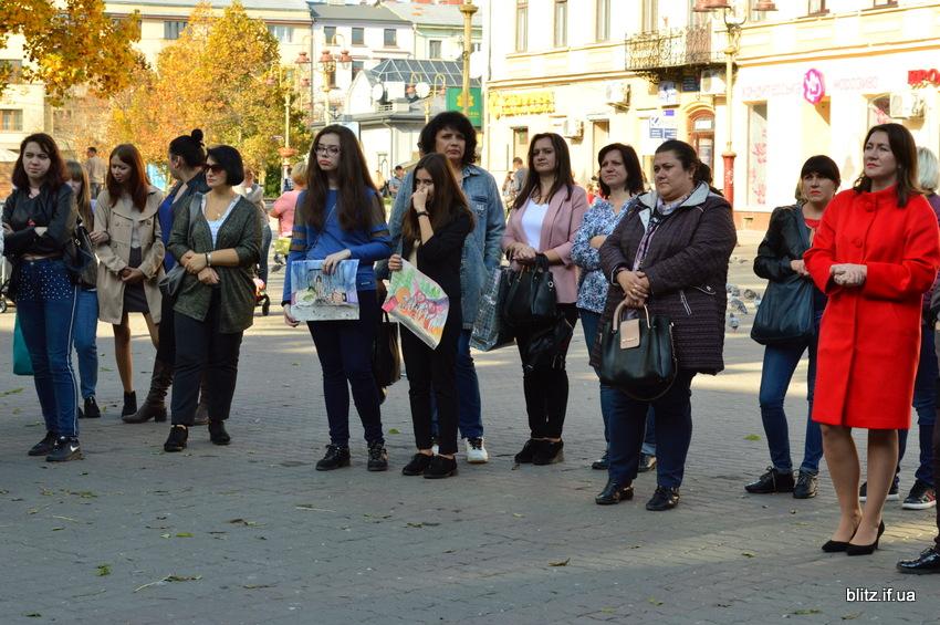 Іванофранківці німою ходою пройшлися проти торгівлі людьми 6
