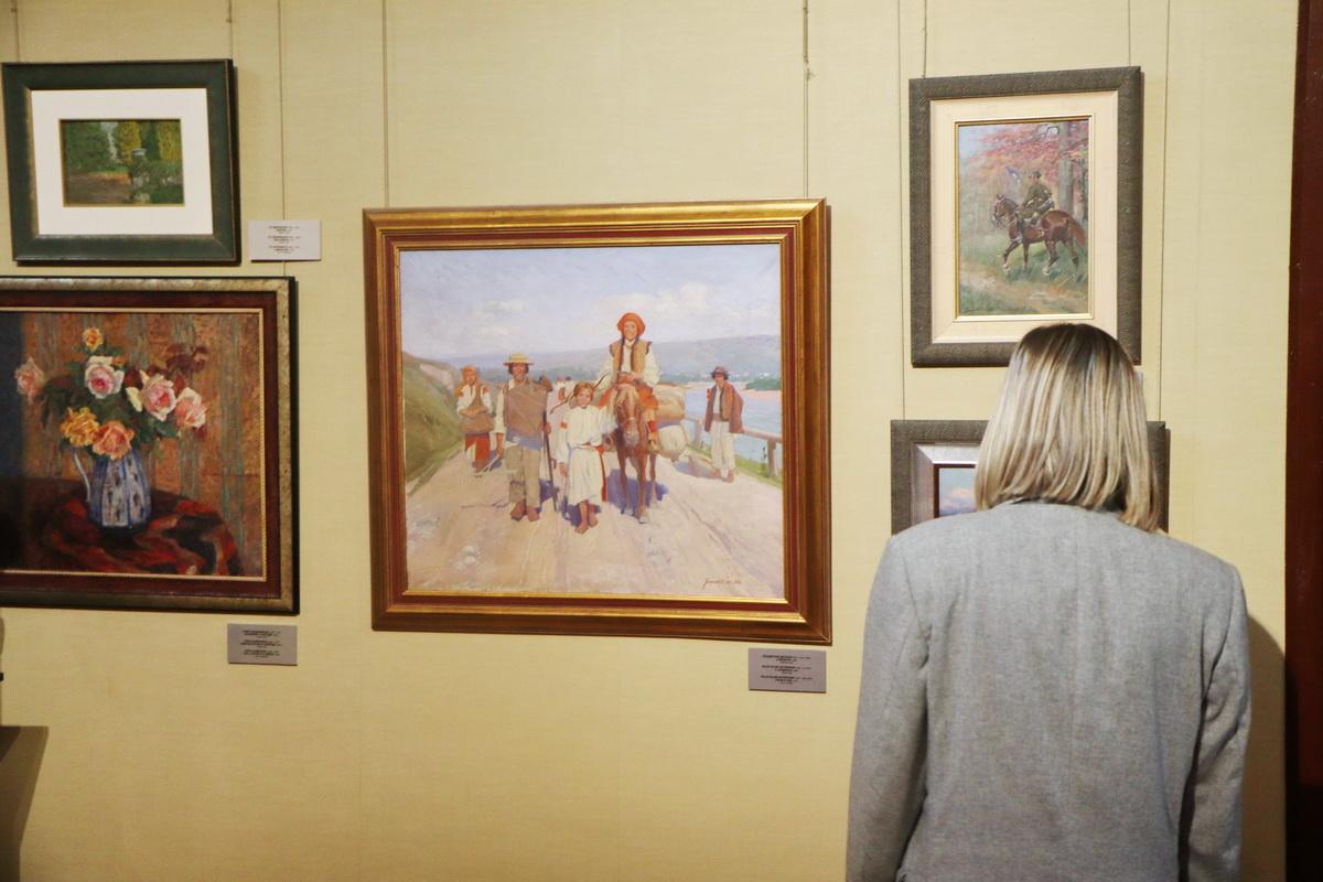 У Франківську дитяча художня школа відзначила ювілей великою виставкою 2