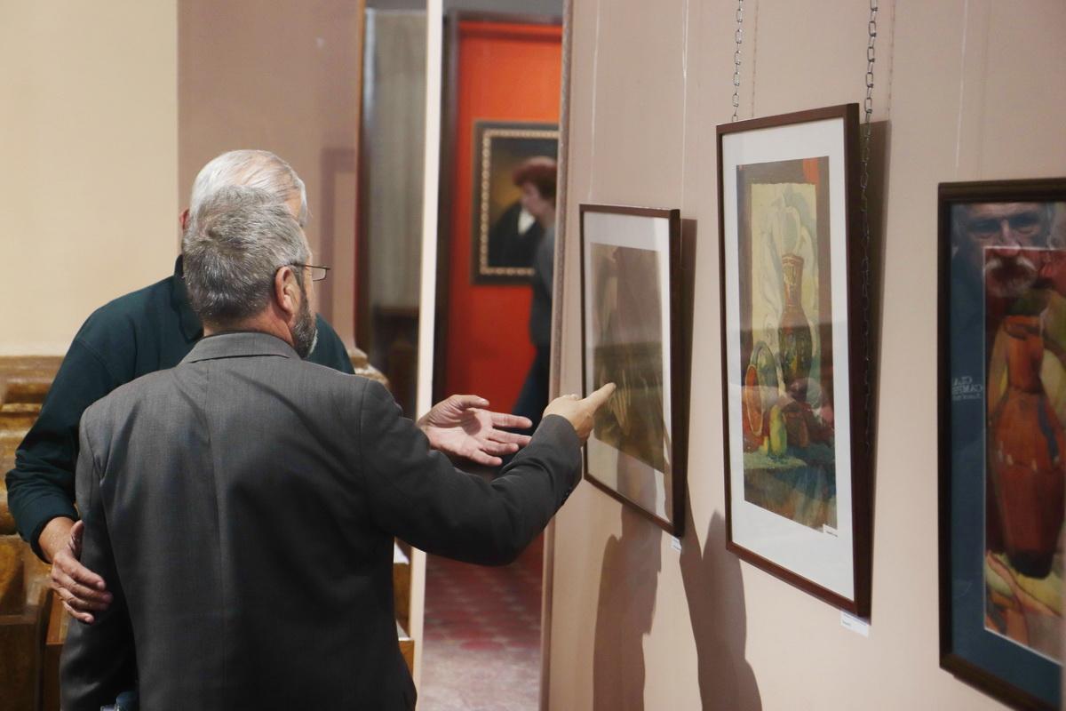 У Франківську дитяча художня школа відзначила ювілей великою виставкою 8