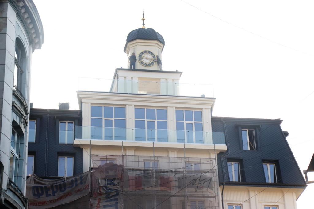 """Архітектурний шрам: франківці критикують реставрацію готелю """"Дністер"""" 6"""