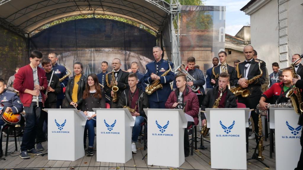 Музика свободи: оркестр військово-повітряних сил США влаштував джем у Палаці Потоцьких 1