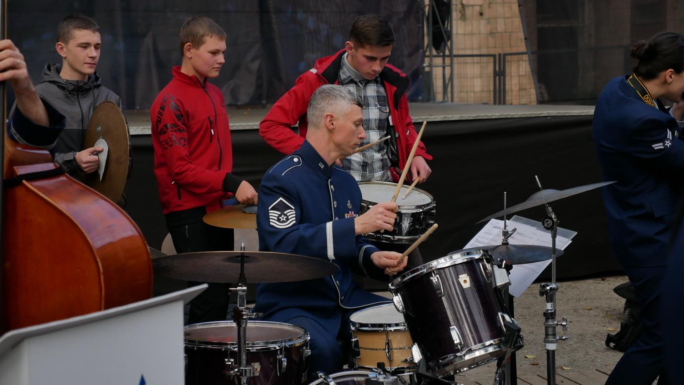 Музика свободи: оркестр військово-повітряних сил США влаштував джем у Палаці Потоцьких 6