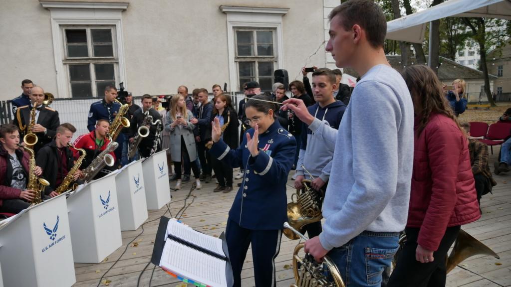Музика свободи: оркестр військово-повітряних сил США влаштував джем у Палаці Потоцьких 4