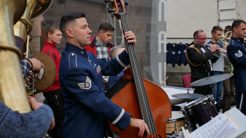 Музика свободи: оркестр військово-повітряних сил США влаштував джем у Палаці Потоцьких 7