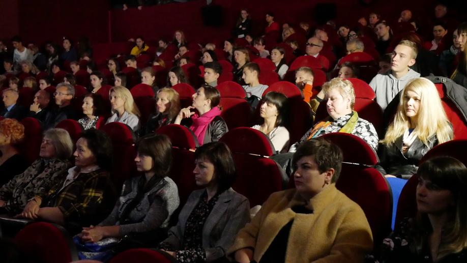 Перезавантаження революцією: у Франківську показали документальний фільм про Майдан 12