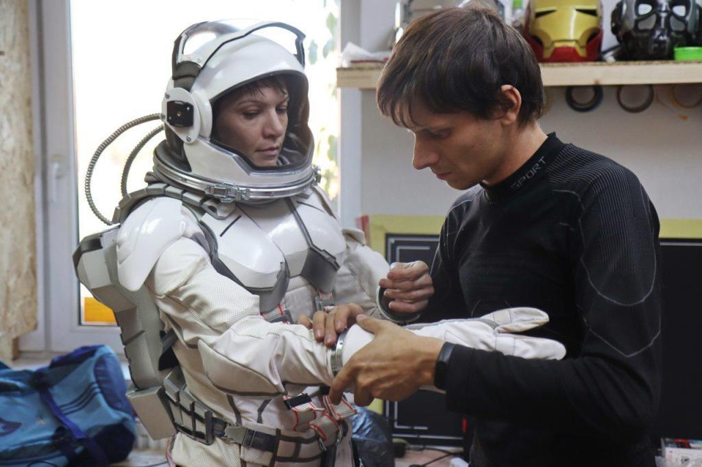 Франківці створили косплейні костюми Ironwoman і космонавтів 5