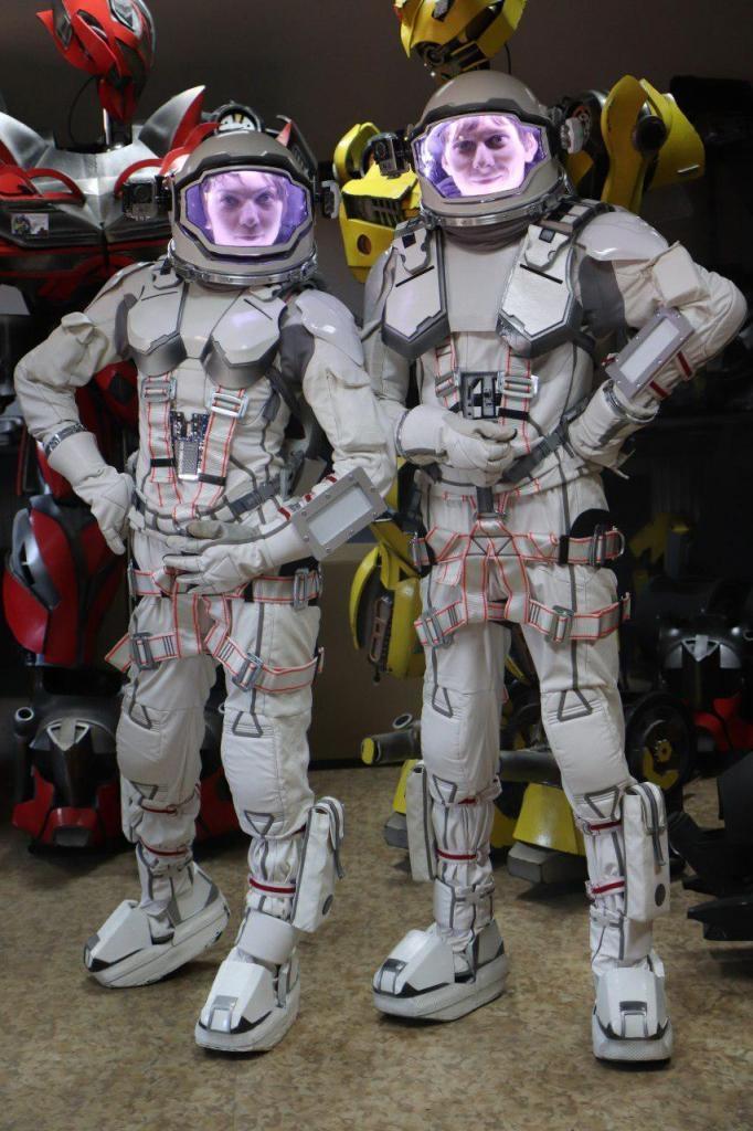 Франківці створили косплейні костюми Ironwoman і космонавтів 3