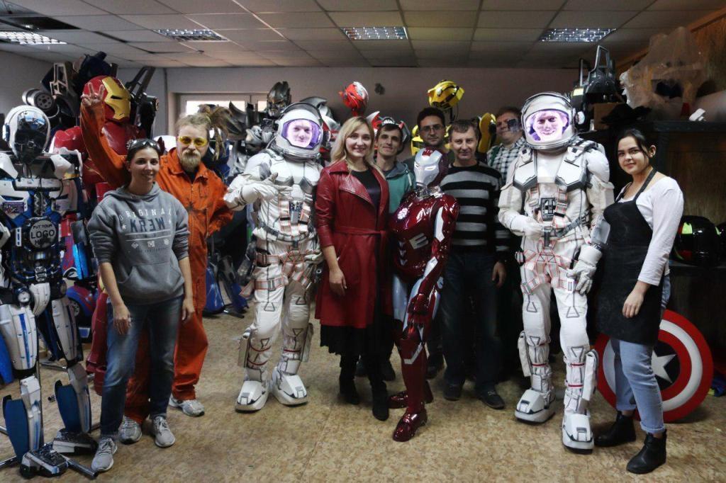 Франківці створили косплейні костюми Ironwoman і космонавтів 9