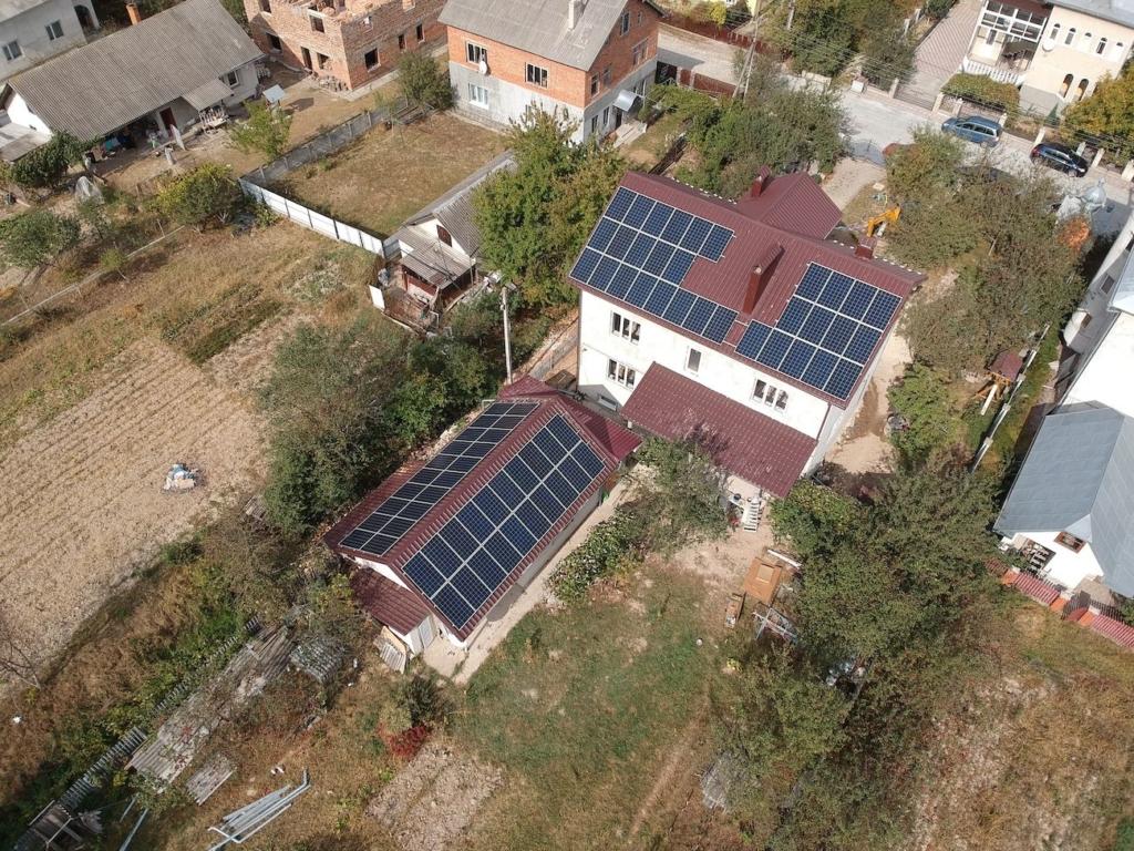 Сонячну електростанцію для дому потужністю 20 кВт встановлено в Угринові 2