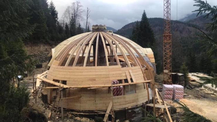 купольний будинок Дземброня Карпати