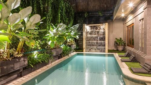 Франківець відкрив кальян-ресторан на Балі – його визнали закладом року 8