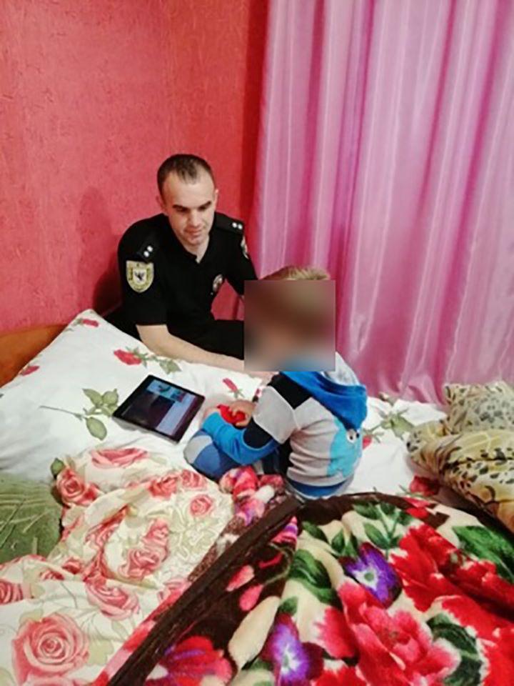 На Прикарпатті 4-річний хлопчик втік із садка, а дівчинка не дійшла до школи: їх розшукала поліція 2