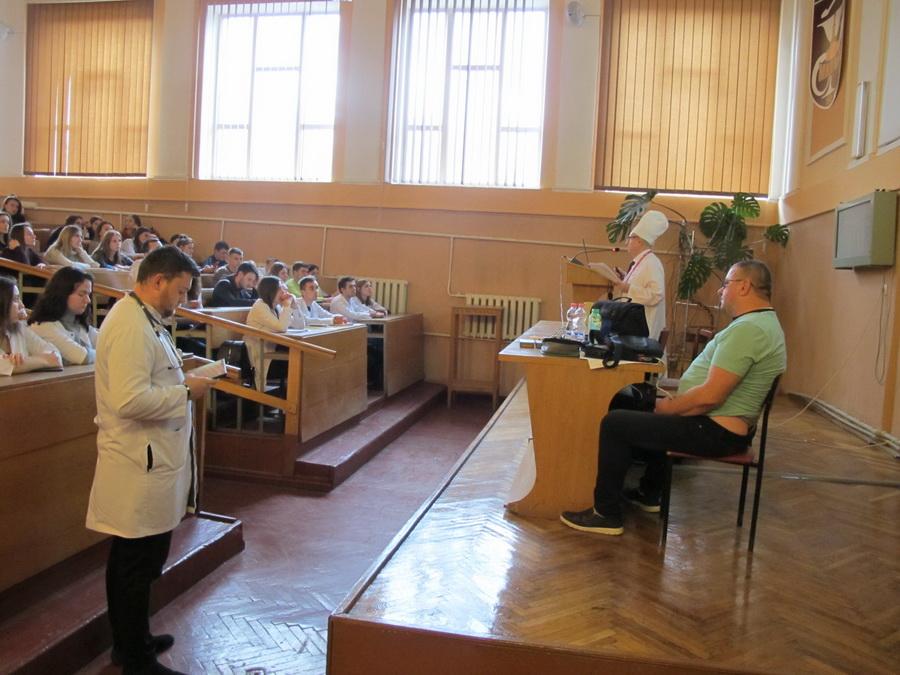 Прикарпатець розповів студентам-медикам, як працює його механічне серце 12
