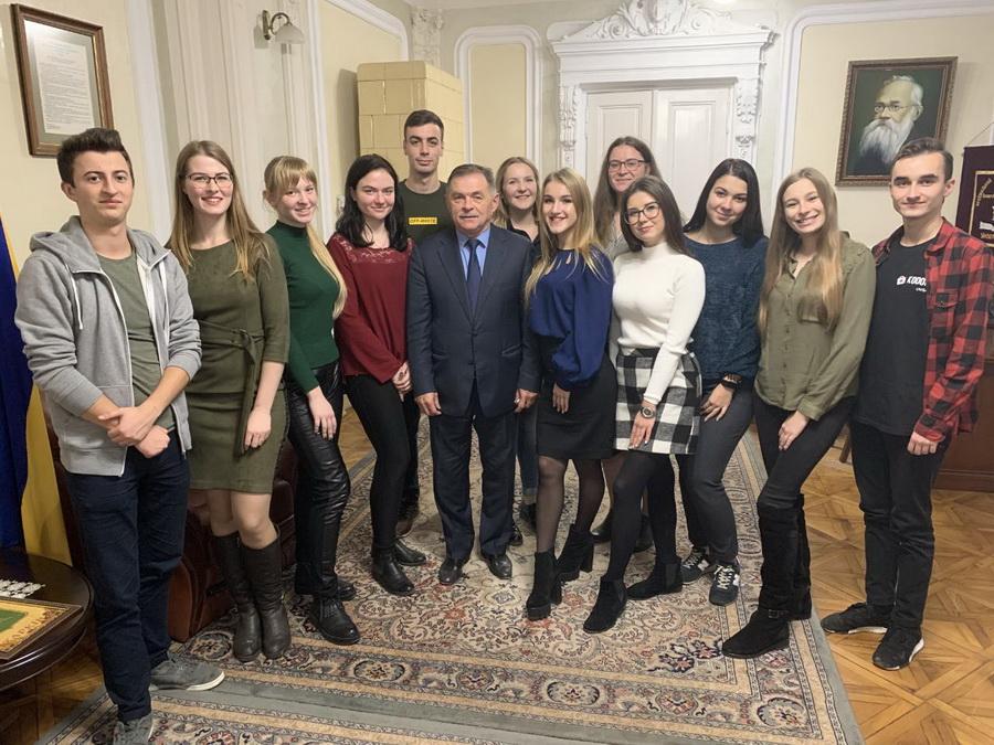 Франківські студенти медуніверситету побували в шкурі ректора 10