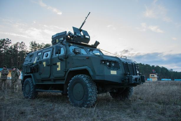"""В Україні випробували бронеавтомобілі """"Козак-2М1"""" і """"Варта-Новатор"""" 8"""