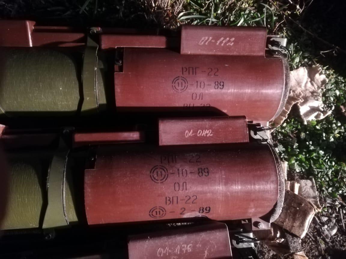 На Франківщині СБУ затримала військового, що продавав гранатомети, гранати і тротилові шашки 5