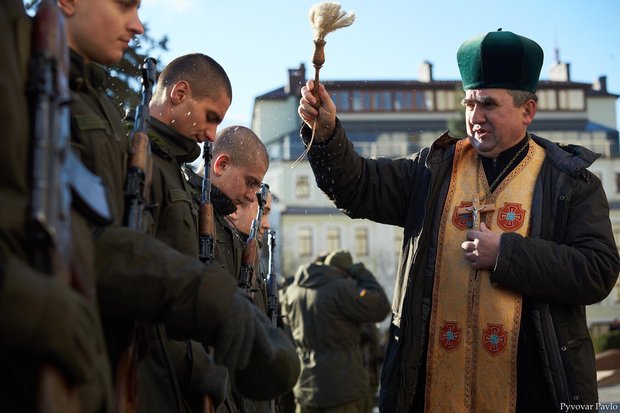 У Франківську 66 нацгвардійців присягнули на вірність українському народу 2