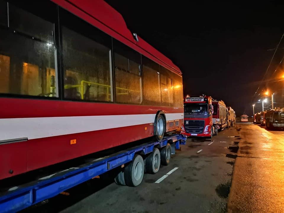 У Франківськ приїхали 10 нових тролейбусів – всі з кондиціонерами 1