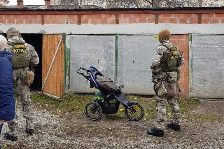 У Франківську затримали підозрюваного у крадіжці ювелірних виробів з приватного будинку 2