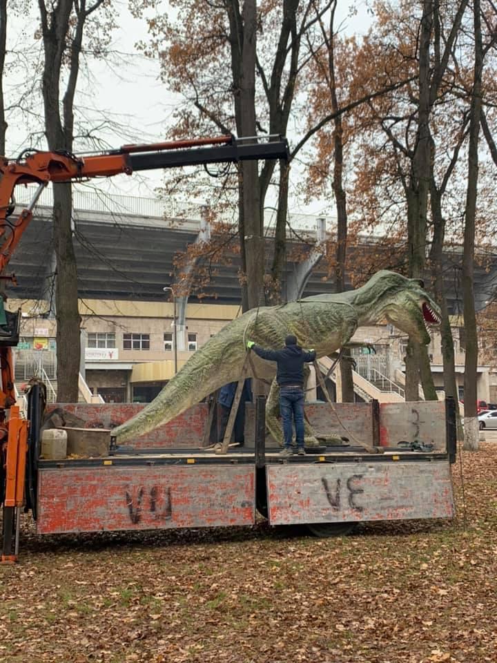 Дино-парк започаткували у Франківську 8