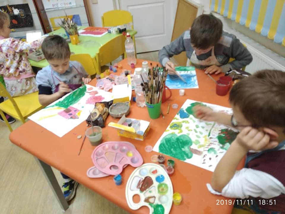 Заплести косички, навчити читати, погратися: Містечко милосердя св. Миколая потребує волонтерів 6