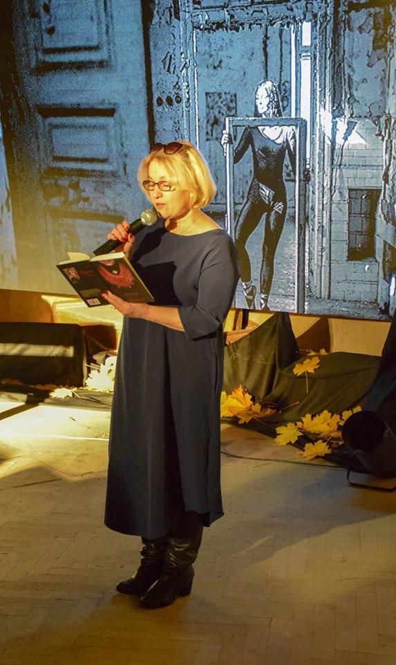 Знайшли привида: містичні читання влаштували у франківському Палаці Потоцьких 14