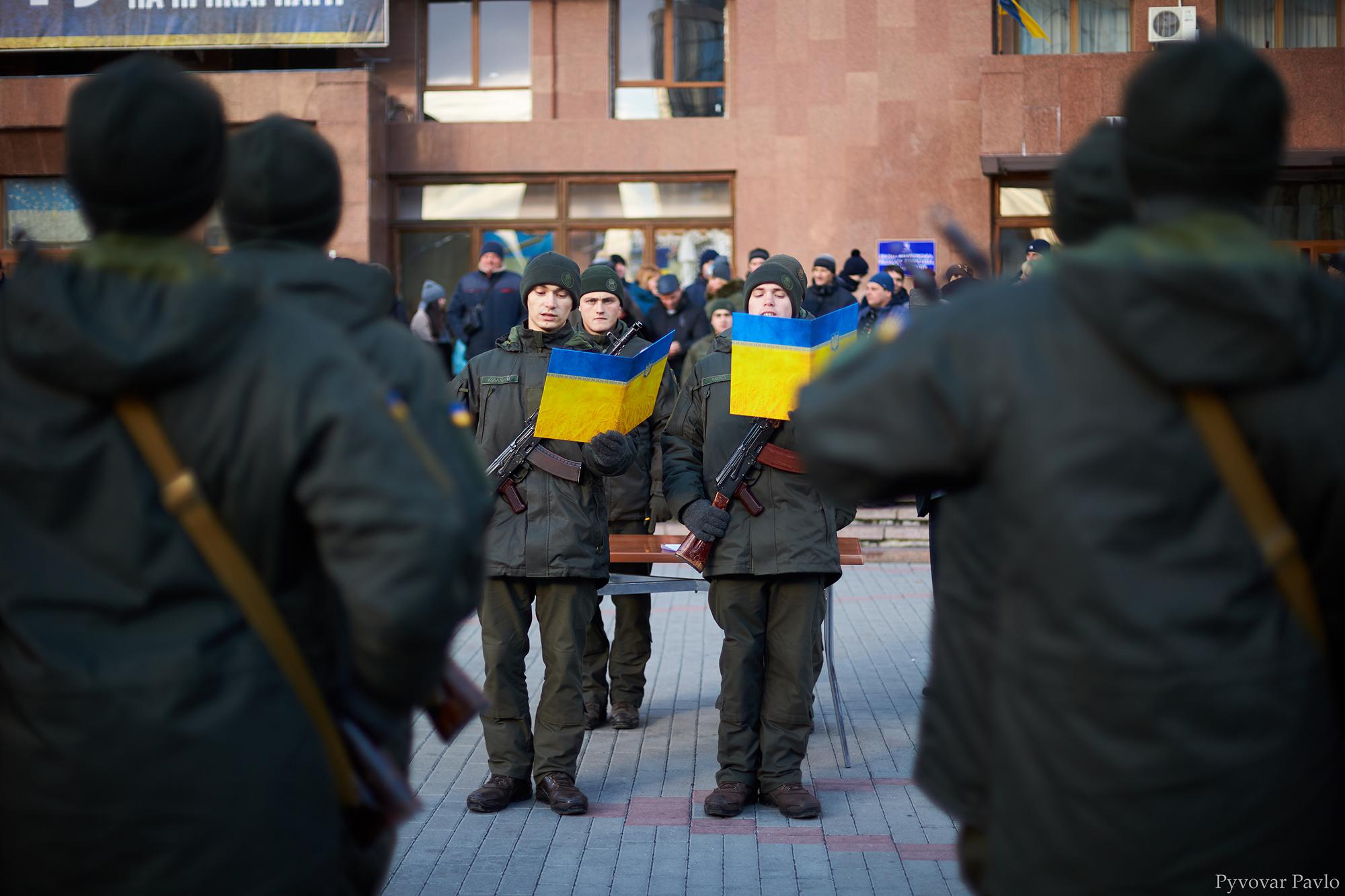 У Франківську 66 нацгвардійців присягнули на вірність українському народу 10