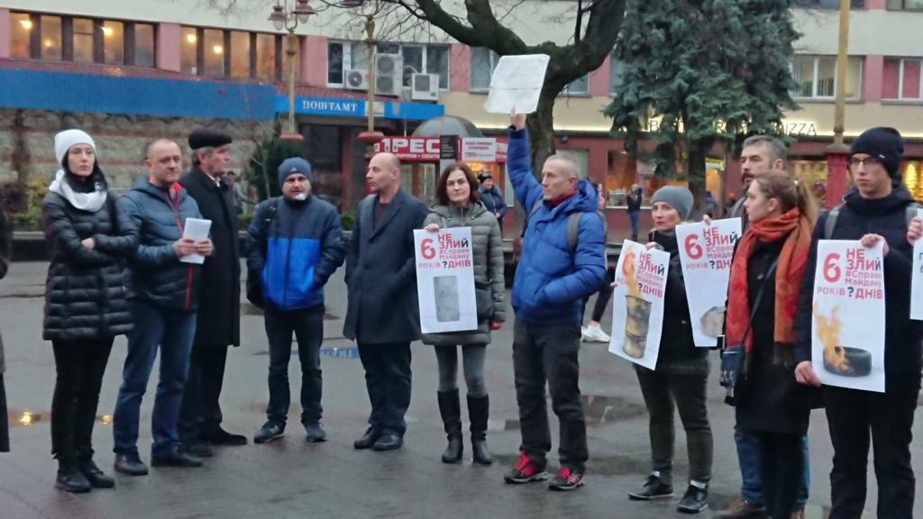 Франківці щодня будуть виходити на акцію солідарності з адвокаткою родин Небесної сотні, яка голодує 2