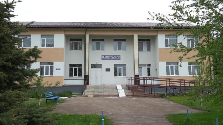 Фасад Ланнівської амбулаторії