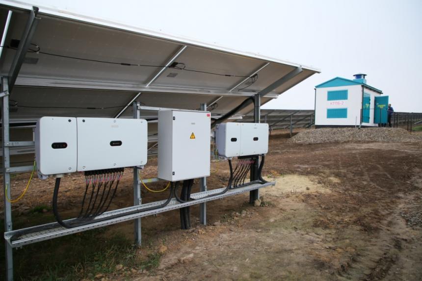 На Прикарпатті відкрили сонячну електростанцію, в яку вклали 11 мільйонів євро 6