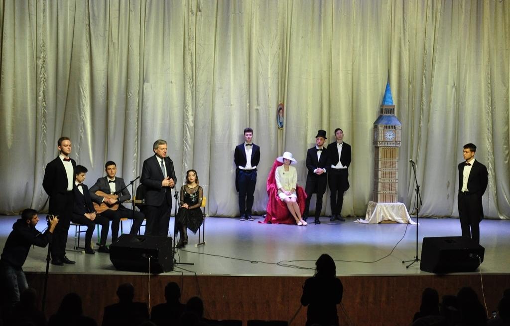 У Прикарпатському університеті провели посвяту першокурсників-міжнародників у студенти 1