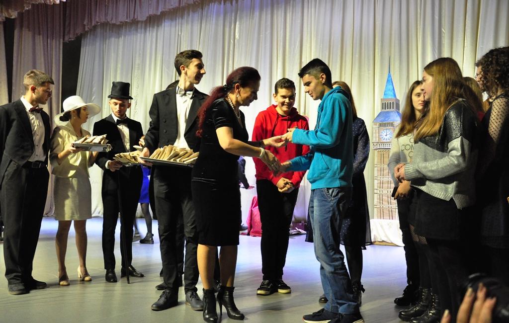 У Прикарпатському університеті провели посвяту першокурсників-міжнародників у студенти 8
