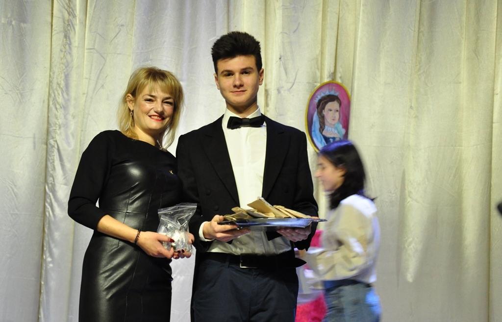 У Прикарпатському університеті провели посвяту першокурсників-міжнародників у студенти 5