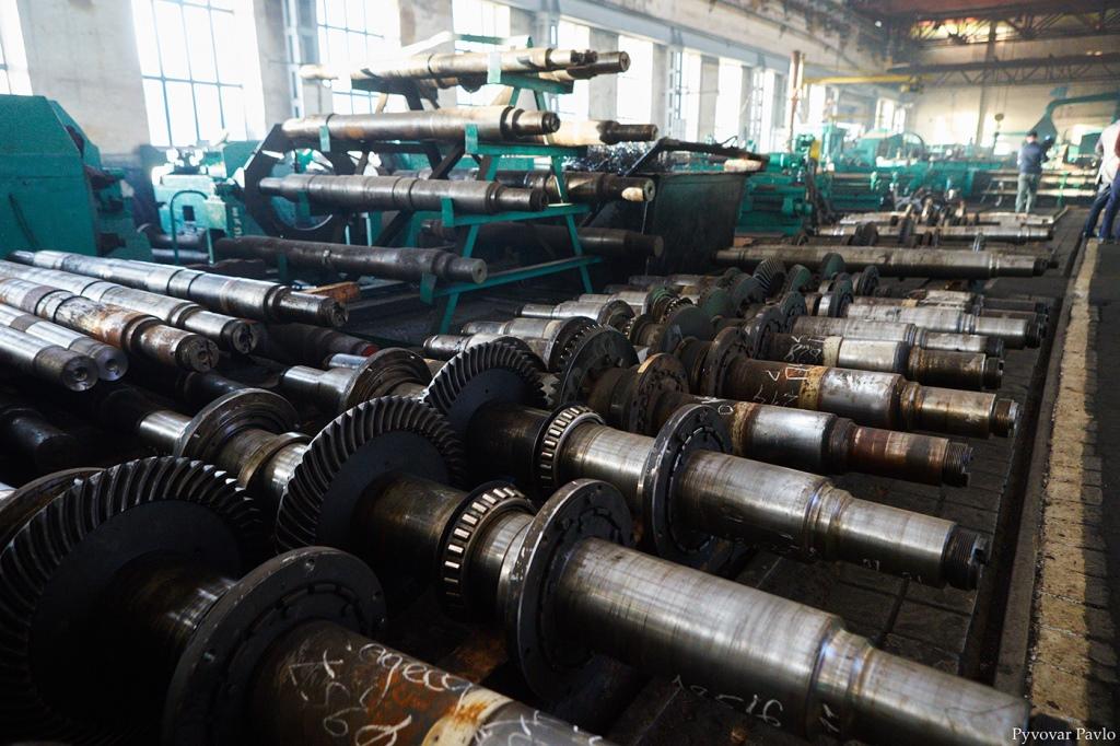 Локомотиворемонтний завод шукає працівників 10