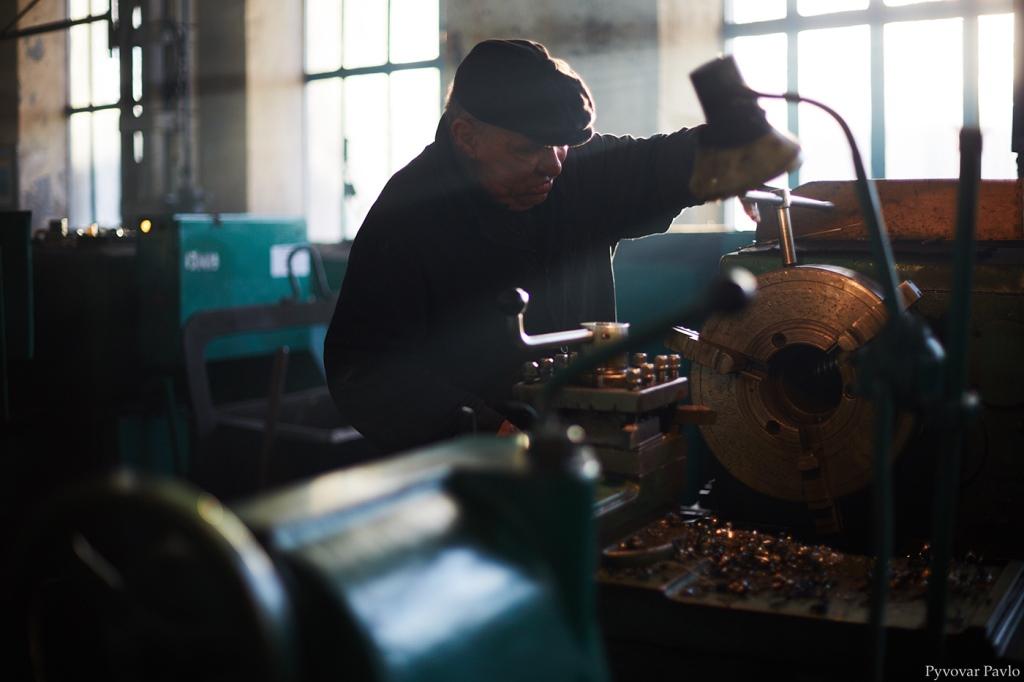 Локомотиворемонтний завод шукає працівників 12