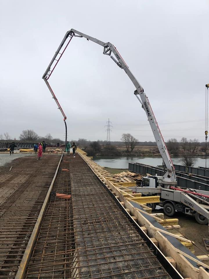 На мості через Дністер, який будують 25 років, розпочали бетонні роботи 2