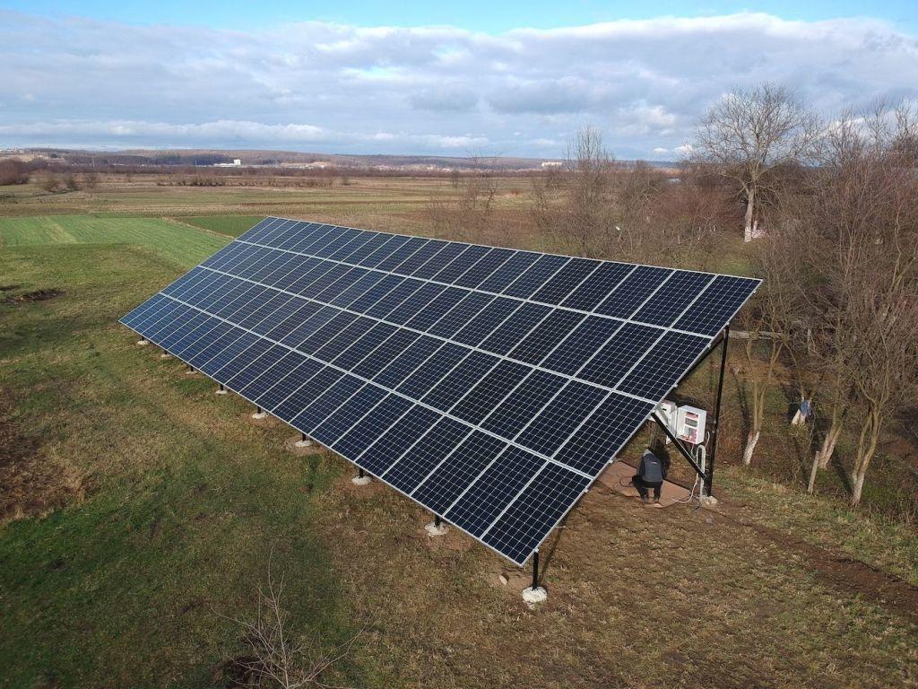 Сонячну електростанцію для дому потужністю 30 кВт змонтовано в Підмихайлі 6