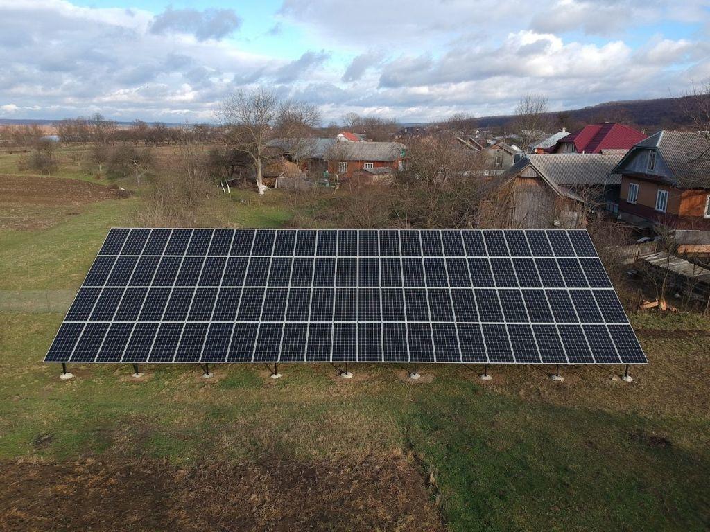 Сонячну електростанцію для дому потужністю 30 кВт змонтовано в Підмихайлі 8