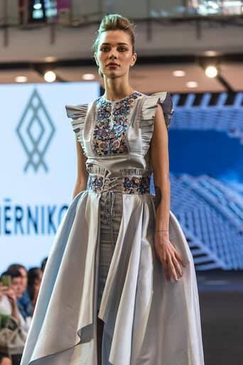 Франківська дизайнерка представила Україну на королівських урочистостях в Таїланді 10
