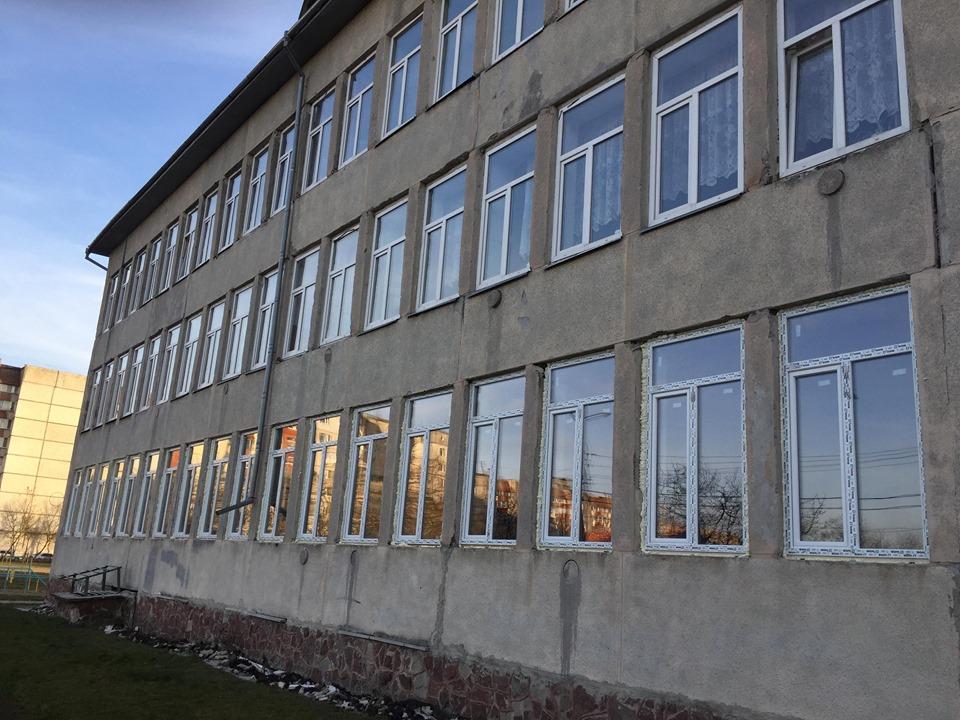В одній з франківських гімназій замінили вікна й систему вентиляції за програмою НЕФКО 2