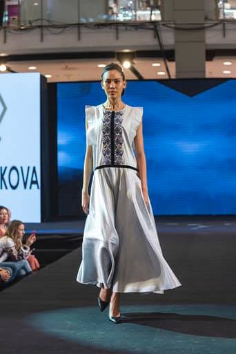 Франківська дизайнерка представила Україну на королівських урочистостях в Таїланді 8