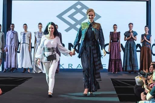 Франківська дизайнерка представила Україну на королівських урочистостях в Таїланді 6